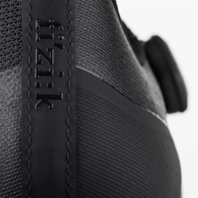 FIZIK Overcurve R4-black/black-43.5